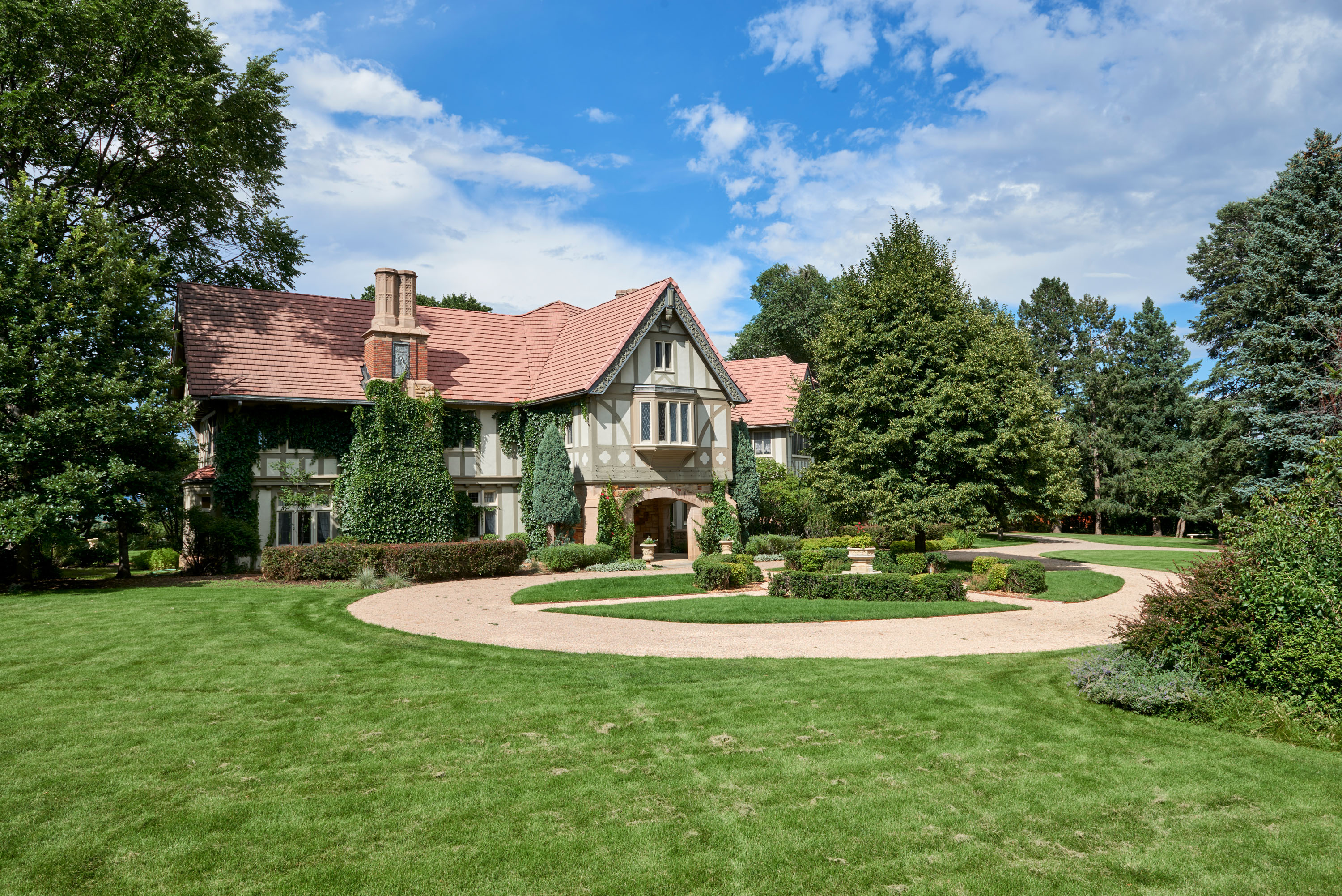 BROADMOOR PROPERTY AUCTION // OCT 20 // NO RESERVE